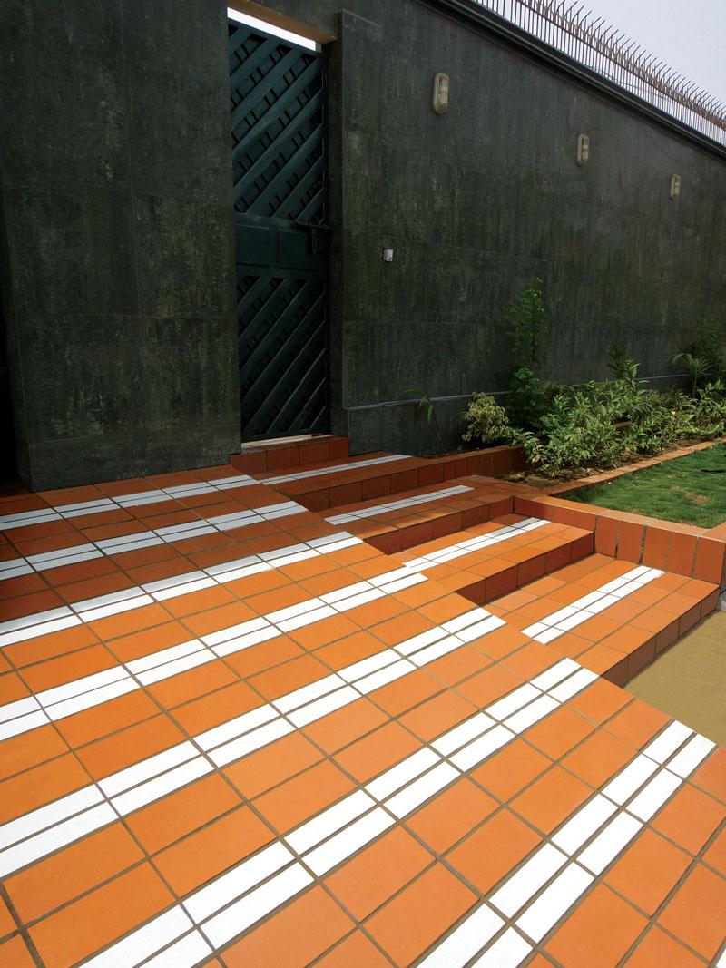 Driveways tiles national tiles for Tile driveway